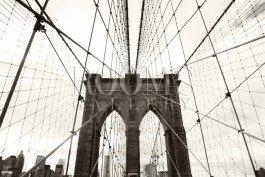 כשנגיע לגשר תמונה למשרד בשחור לבן