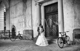 בקרוב אצלכם תמונה לבית צילום מקסים בשחור לבן