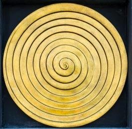 תמונה לסלון דרמטי ספירלה זהב